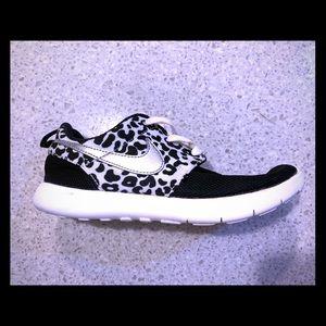 Nike Roshe One Print size 3Y